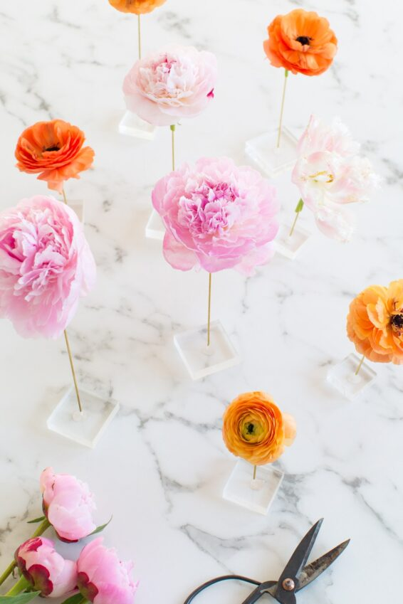 Floating flower table