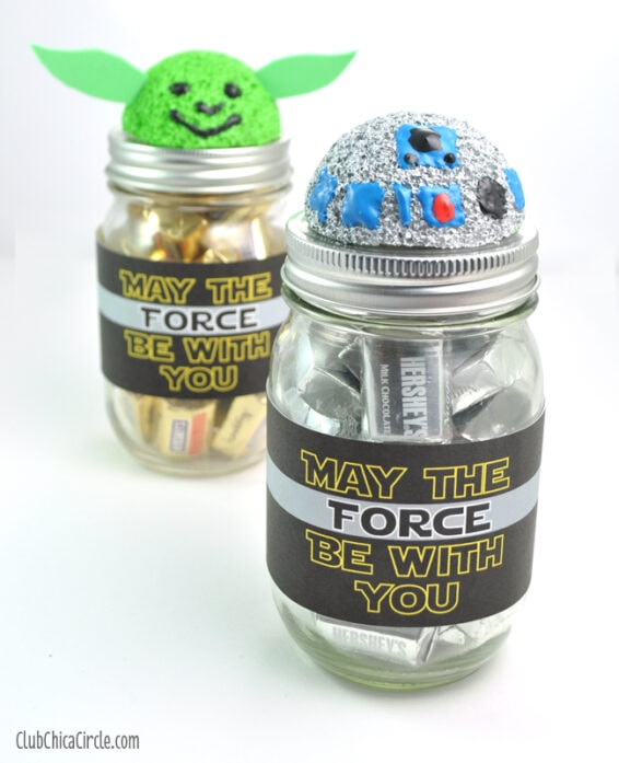 R2D2 and Yoda mason jars willed with chocolates