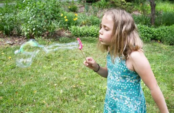 Homemade bubble solutions
